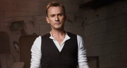 [عکس: Robert-Knepper-250x135.jpg]