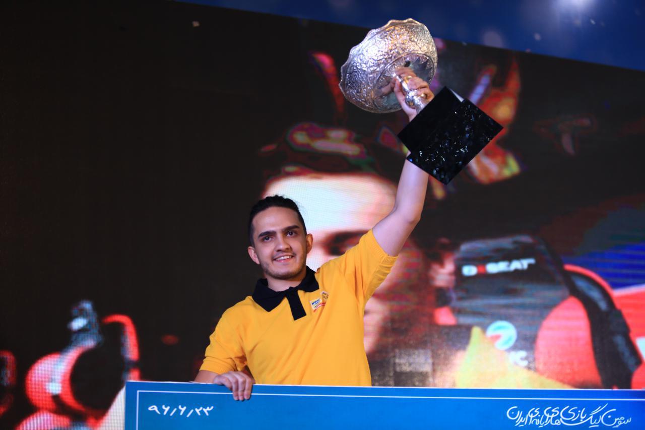 اعزام نمایندگان ایران برای شرکت در مسابقات جام جهانی بازیهای رایانهای فرانسه