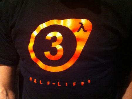 همان تصویر روی پیراهن کارکن والو