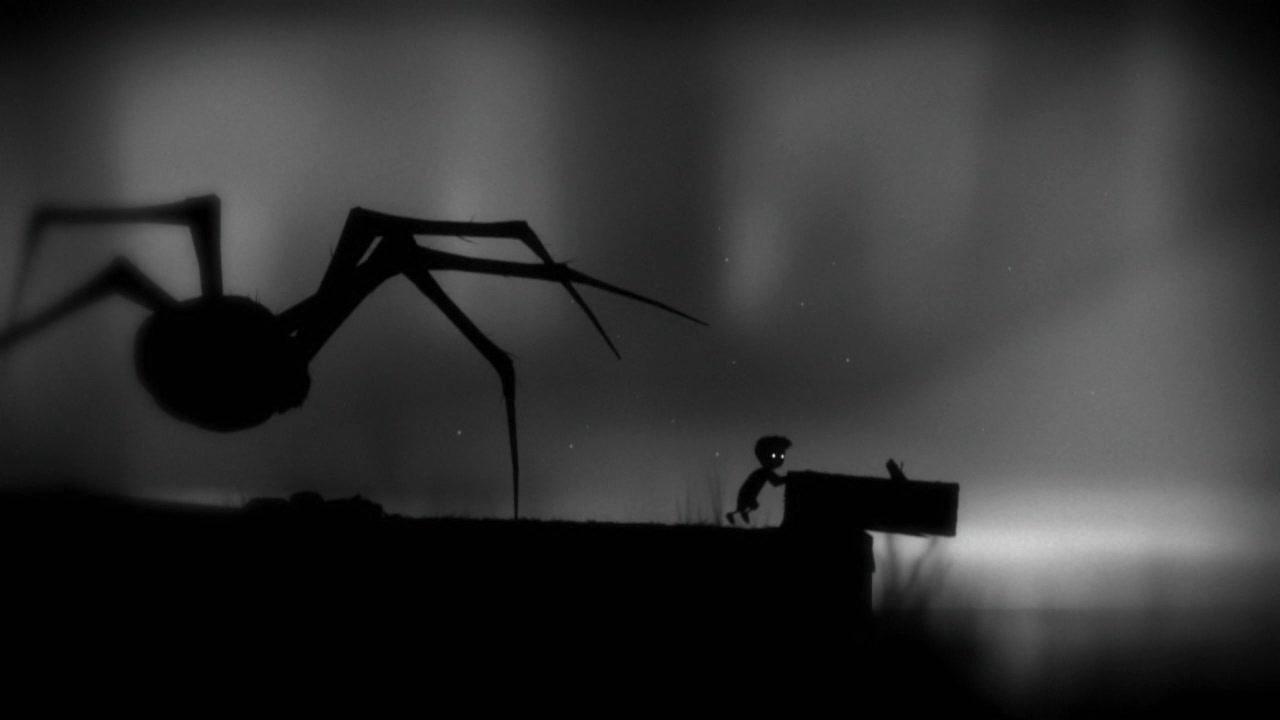 عنکبوتی دهشتناک در برابر پسری کوچک
