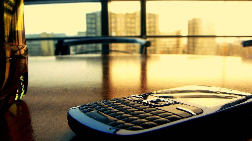 درآمد گوشیهای هوشمند در نیمهی اول سال ۲۰۱۹، به ۳۰ میلیارد دلار رسید